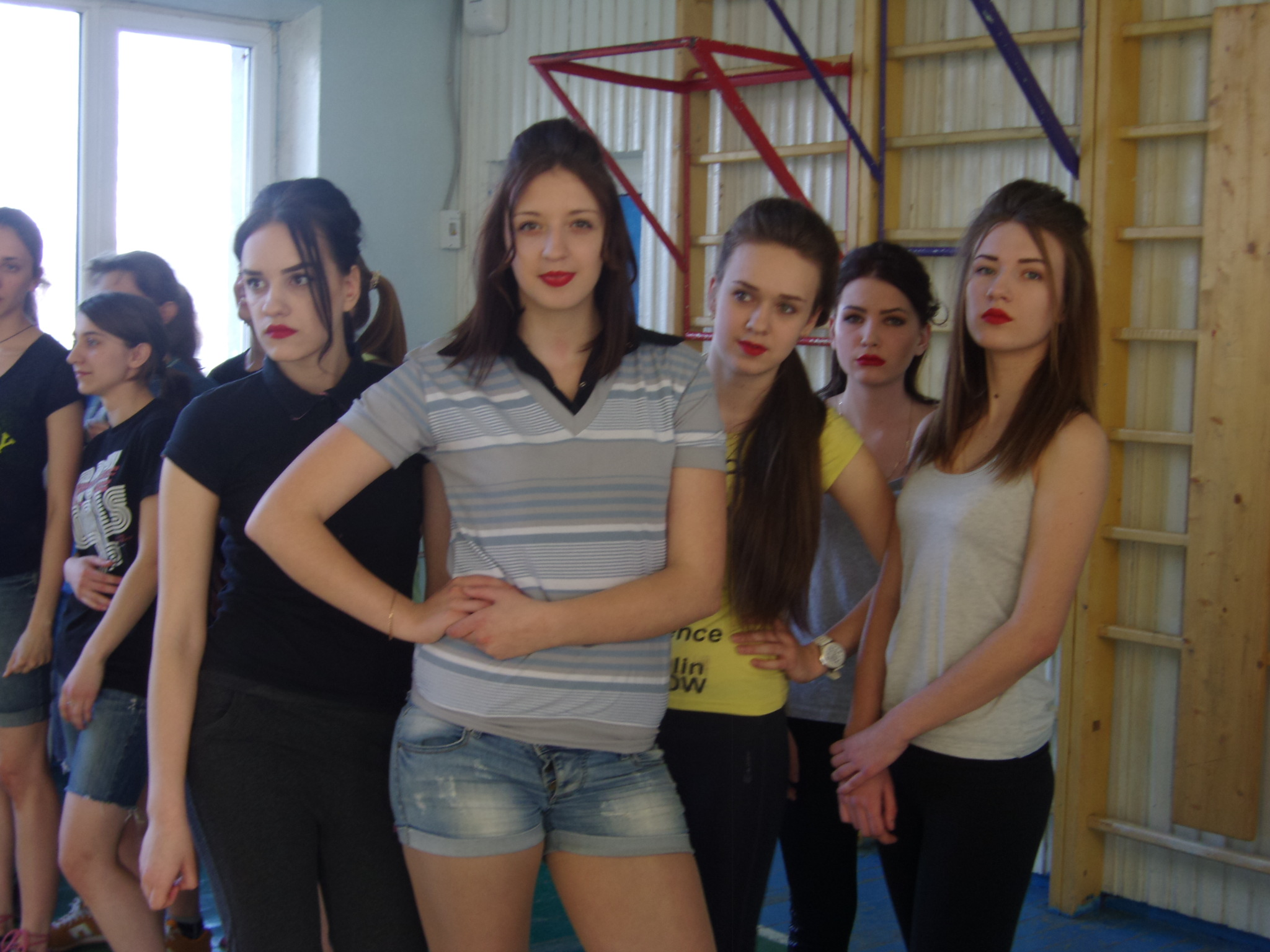 фото в девушек в школе